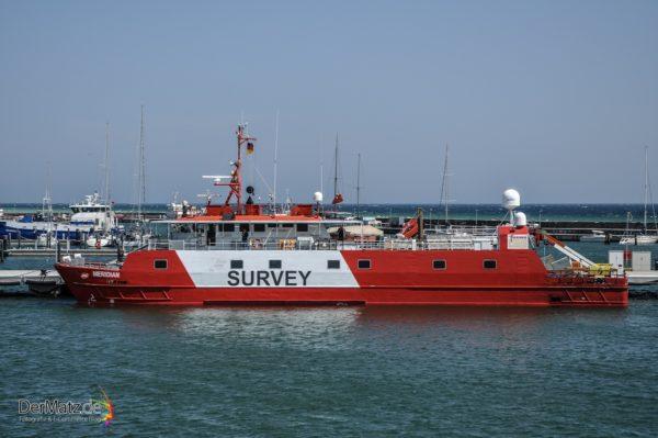 Meridian von SURVEY - Forschungsschiff im Hafen von Saßnitz