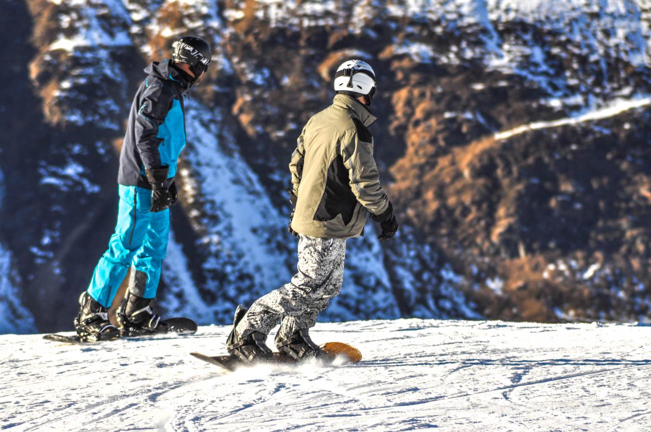 Snowboardfahrer im Schnee